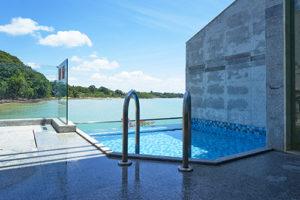 pavimento scivoloso piscina albergo